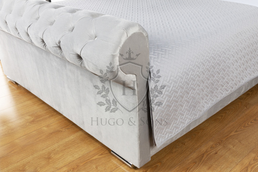 sleigh bed without beading 3