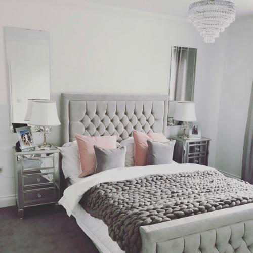 hilton bed hinch2